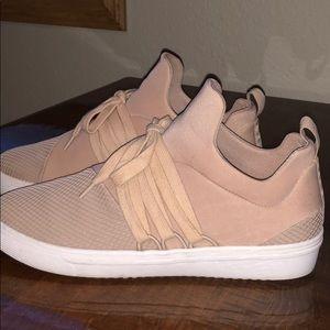 Steve Madden Lancer sneakers